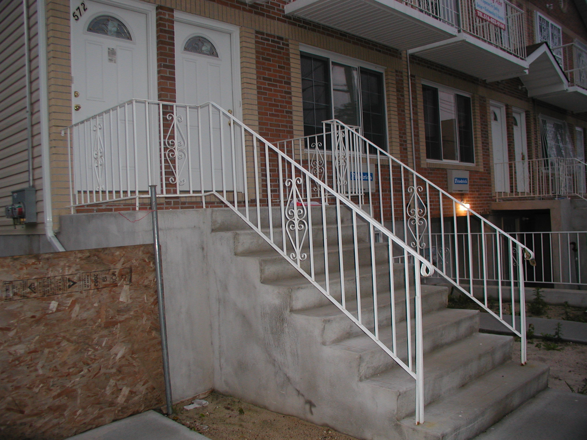 Steel Welded Economy Stair Railings With 189 Solid Pickets