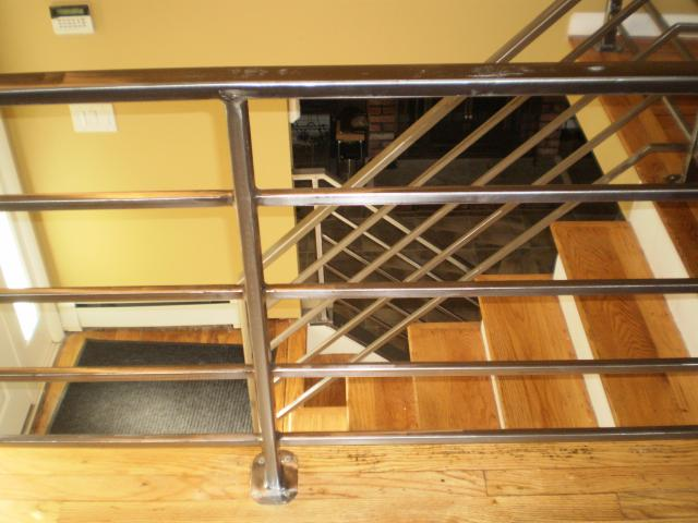 Fabricator ny pipe tubular steel hand railing stair